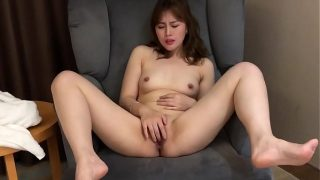 Baby my pussy is so wet now please come fuck me now! 老公我好想要你插我,你趕快幹我。