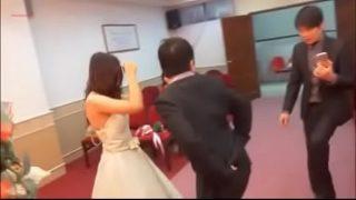 台湾新婚夫妻结婚典礼视频和洞房啪啪啪视频流出(阳痿早泄增大增粗增硬延时加微信xiameiA6)