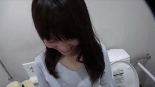 台灣-可愛高中妹有男友了還幫我口交